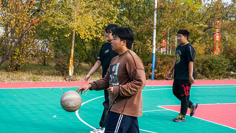 """【校篮球赛】迎""""篮""""而上,秋日校园最美的风景是你们青春洋溢的脸庞!"""